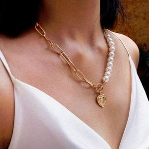 Yellow Gold Necklace with White Pearl Jewelry